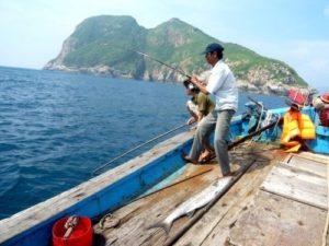 Tham gia hoạt động câu cá cùng ngư dân tại An Thới
