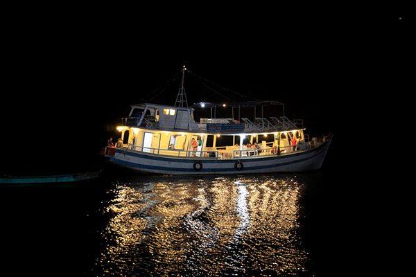 Thuyền câu mực đêm ở Phú Quốc
