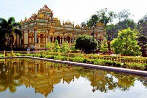 Mặt tiền chùa Vĩnh Tràng