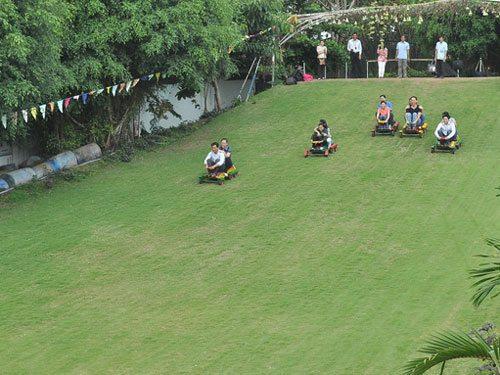 Trượt cỏ ở Khu du lịch Vinh Sang