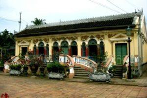 Mặt tiền nhà cổ Bình Thủy