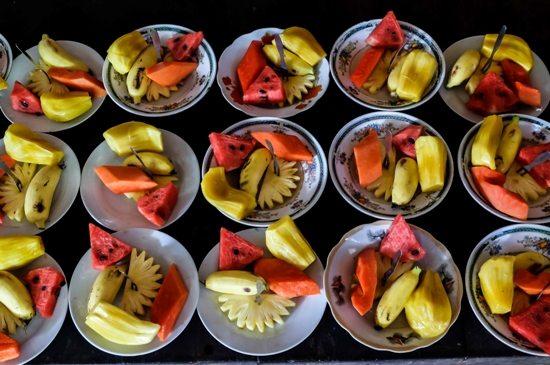 Thưởng thức trái cây trong Tour miền Tây tết âm lịch 2016 Tiền Giang Bến Tre