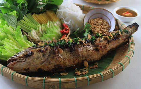 Món cá lóc nướng hấp dẫn ở miền Tây