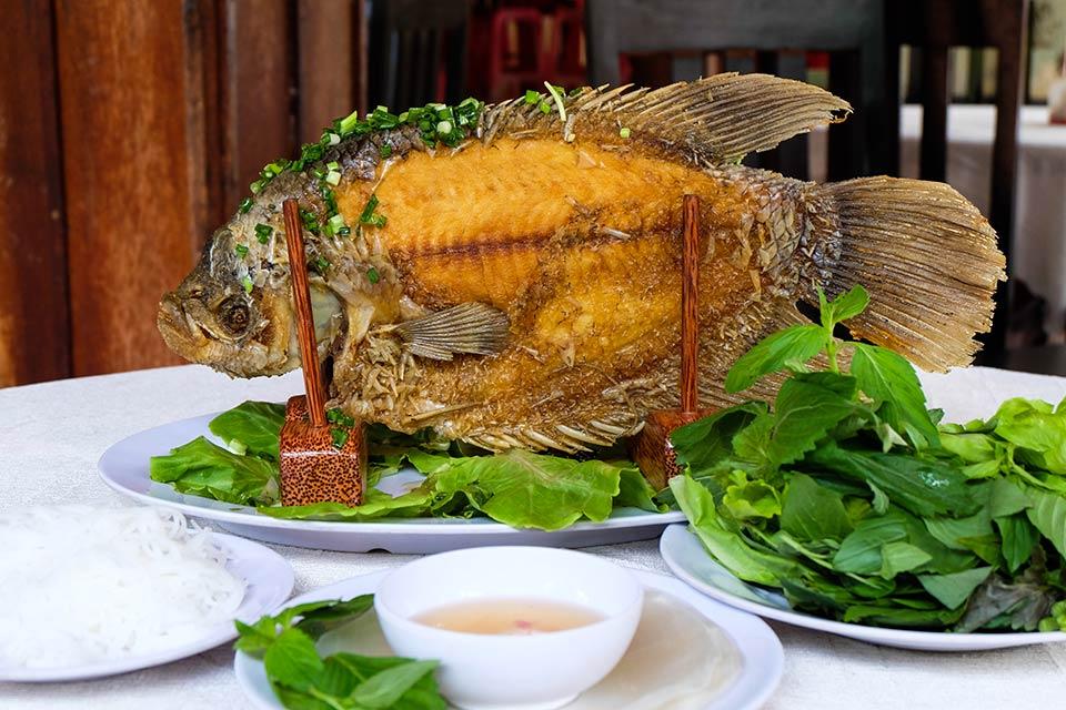 Món cá tai tượng chiên xù - đặc sản miền Tây
