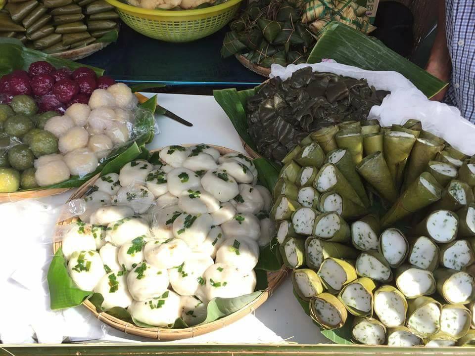 Buffet bánh trong Lễ hội bánh dân gian Nam Bộ