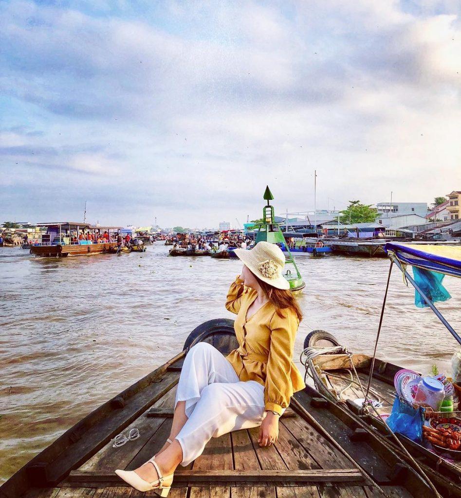 Đặt tour miền Tây Tết Nguyên Đán 2021 để tham quan Chợ nổi Cái Răng