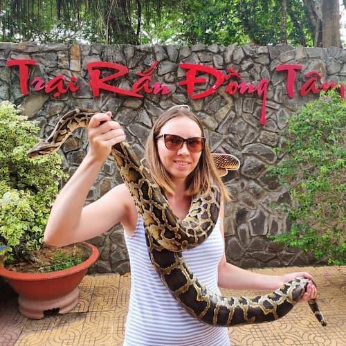 Trại rắn Đồng Tâm - địa điểm tham quan thu hút du khách ở Tiền Giang