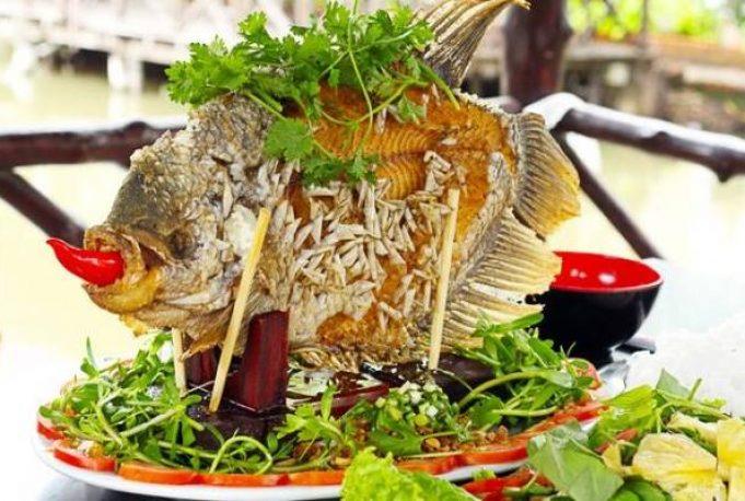 Món cá tai tượng chiên xù trong tour miền Tây Mỹ Tho - Bến Tre